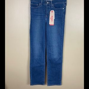 Levi's 314 shaping/ straight leg/mid rise jeans